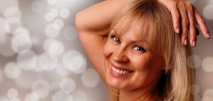 Read more about the article Dating An Older Woman – How To Succeed In Granny Dating